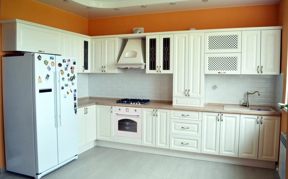 Белый кухонный гарнитур-Кухня МДФ в ПВХ «Модель 83»-фото1
