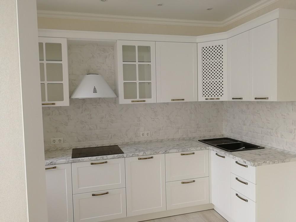 Белый кухонный гарнитур-Кухня МДФ в ПВХ «Модель 522»-фото3
